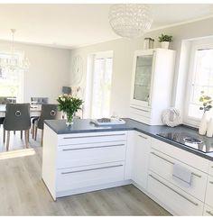 The kitchen that is top-notch white kitchen , modern kitchen , kitchen design ideas! Kitchen Decor, Kitchen Inspirations, Farmhouse Style Kitchen, Home Decor Kitchen, Home Kitchens, Gray And White Kitchen, Modern Kitchen, White Home Decor, Home Decor