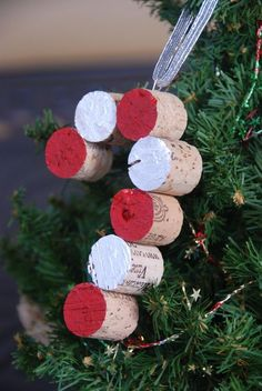 Candy Cane Wine Cork Christmas Tree Ornament by GulfCoasters, Cork Christmas Trees, Christmas Wine, Diy Christmas Ornaments, Holiday Crafts, White Christmas, Homemade Christmas Tree Decorations, Christmas Island, Snowman Ornaments, Christmas Lights