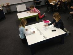 Tables you can write on. Modern Classroom, Classroom Design, Classroom Organization, Learning Spaces, Learning Environments, School Library Design, Dream School, Library Displays, Schools