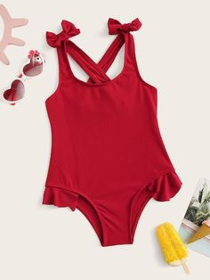 To find out about the Toddler Girls Ruffle Hem Bow Detail One Piece Swimsuit at SHEIN, part of our latest Toddler Girl Swimwear ready to shop online today! Swimsuits For Tweens, Fashion News, Kids Fashion, Moda Kids, Girls Bathing Suits, Travel Outfit Summer, Cute Leggings, Kids Swimming, Monokini