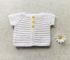 Free pattern.  Sizes ~ Preemie up to 12 months