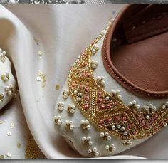 Indian Shoes, African Wear Dresses, Comfy Shoes, Shoe Collection, Indian Wear, Wedding Shoes, Me Too Shoes, Fashion Shoes, Shoe Boots