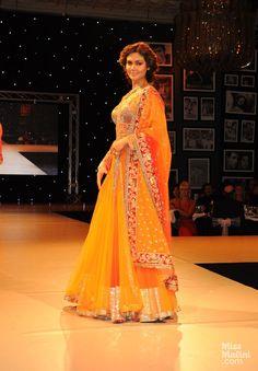 Esha Gupta in Manish Malhotra.