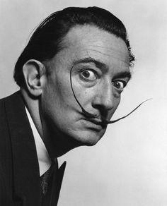 Salvador Dalí, Yousuf Karsh photography.
