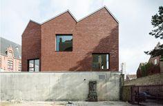 Carton123 Architecten & Tom Thys Architecten - Primary school located in this historic center of Bruges, 2014. Photos © Olmo Peeters.