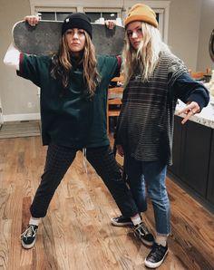 Armor - Skater girl outfits -Princess Armor - Skater girl outfits - 20 Must-Try Tomboy Outfits in 2020 50 Favorite Spring School Outfits 2019 To Inspire You Skate Style Girl, Skater Girl Style, Skater Girl Looks, Vintage Outfits, Vintage Fashion, Skater Girl Outfits, Skater Girls, Skater Girl Fashion, Trend Fashion