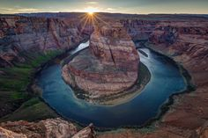The most picture-perfect spot in the American Southwest Horseshoe Bend on the Colorado River [30002000] [OC] #reddit