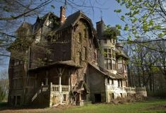 I would love to live in a creepy looking old Victorian house, complete with secret rooms and passageways! by Itz Margie