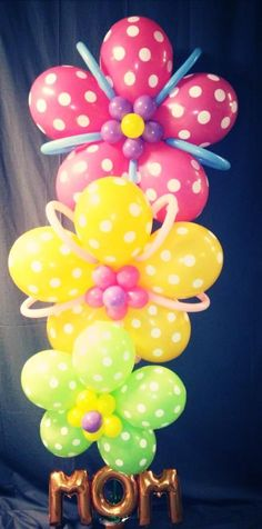 Pretty flower balloon decoration for Mother's Day.
