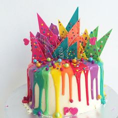 Rainbow candy drip cake 2/ rainbow chocolate shards