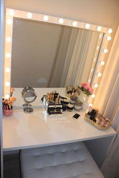 Afbeeldingsresultaat voor ikea make-up tafel Room Decor Bedroom, Interior Design Living Room, Girls Bedroom, Teen Bedroom Designs, Makeup Rooms, Makeup Room Decor, Room Goals, Beauty Room, New Room