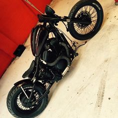 99 Trendy of Bobber Motorcycle in Example Photos - We Otomotive Info Indian Motorcycles, Triumph Motorcycles, Custom Motorcycles, Custom Bikes, Honda Shadow Bobber, Honda Bobber, Bobber Bikes, Mv Agusta, Virago 125 Bobber