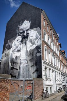 Conor Harrington creates a new mural in Aalborg, Denmark