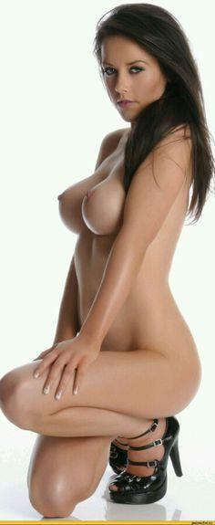 ♥ Want more Busty Babes? ♥ http://pinterest.com/BustyGirls
