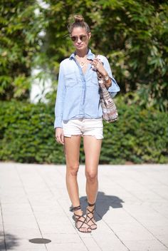 A light blue denim shirt and white denim shorts are a nice combo worth having in your current casual collection. A pair of dark brown leather gladiator sandals will easily play down an all-too-dressy outfit. Summer Wear, Spring Summer Fashion, Summer Outfits, Cute Outfits, Summer Flats, Coachella Accessories, Blue Denim Shirt, Denim Shorts, Denim Heels