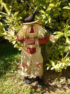 backyard designs – Gardening Ideas, Tips & Techniques Scary Scarecrow, Fall Sewing, Fall Crafts, Favorite Holiday, Fall Halloween, Scarecrows, Projects To Try, Creations, Pure Products