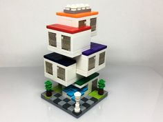 In recent weeks the Rebrick mini modular contest has produced some great modular builds. Below are for recent models, designed by three different builders.Chri
