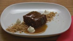 Gluten Free Chocolate Brownie with Walnut Crumb and Salted Caramel Sauce - Masterchef 16 Masterchef Recipes, Afternoon Tea Cakes, Gluten Free Chocolate, Delicious Chocolate, Candied Walnuts, Salted Caramel Sauce, Food Shows, Chocolate Brownies, Flourless Chocolate