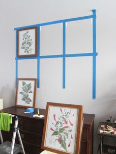 How to Easily Create a Gallery Wall and Free Botanical Printables . Take the pain and frustration out of hanging frames for a gallery wall with this foolproof method for getting level and evenly-spaced frames every time! Diy Wand, Hanging Frames, Frames On Wall, Gallery Wall Frames, Ribba Frame, Frame Wall Decor, Gallery Walls, Diy Wall Art, Framed Wall Art