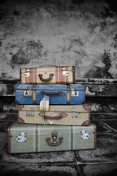 Love love Love old luggage