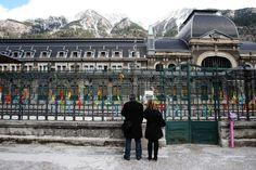 Pau-Canfranc : 100 ans de train en vallée d'Aspe - Reportage à Bedous en Vallée d'Aspe, pour le quarantième anniversaire de la fermeture de la ligne de train. 27 mars 2010