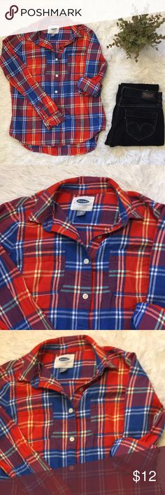Old Navy Plaid Button Up Great colors, excellent condition. Sleeves can be worn rolled up, or down. Great layer piece! Old Navy Tops
