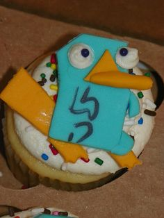 Plumeria Cake Studio: Phineas and Ferb Perry the Platypus Cupcakes