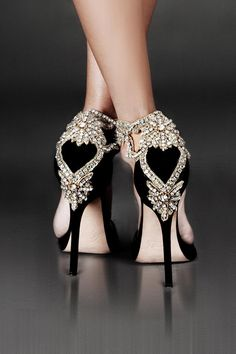 Are these wedding heels fabulous or what? We are drooling over these crystal pumps! Ladies what do you think? Pretty Shoes, Beautiful Shoes, Cute Shoes, Me Too Shoes, Gorgeous Heels, Amazing Heels, Awesome Shoes, Fancy Shoes, Dream Shoes