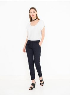 Ozlem Beautiful neckline Ozlem may look like a basic top, but this lady has more to offer. The wide neckline compliments your neck beautifully and gives the sunbeams plenty of room for a nice tan. Best Tan, Basic Tops, Compliments, Off White, Normcore, Lady, Pants, Stuff To Buy, Beauty