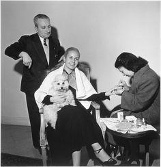 Gisèle Freund, Le lever d'Evita Peron, Buenos Aires, 1950 | Flickr: Intercambio de fotos
