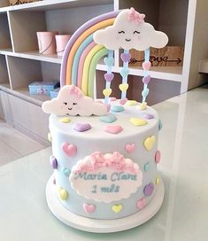 Lindíssimo bolo com o tema Chuva de Amor! Credito: Beautiful cake with the Rain of Love theme! Baby Birthday Cakes, Rainbow Birthday Party, Baby Girl Birthday, Cloud Cake, Girl Cakes, Themed Cakes, Baby Shower Cakes, Beautiful Cakes, Events Place