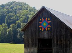 Star of Bethlehem, painted by Lyn Soeder on the barn owned by Ronnie Cooper, Fleetwood, NC