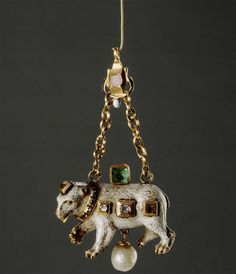 Pendant in the shape of a bear, Germany, last quarter of the 16th century