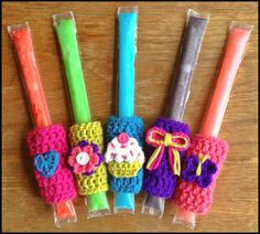 Popsicle holders for girls @Craftsy #blackstonedesigns