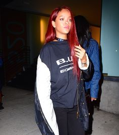Is there any hair colour Rihanna can't pull off? Apparently not <3 <3