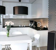 Metamorfoza salonu z kuchnią - Mała otwarta kuchnia w kształcie litery l w aneksie, styl skandynawski - zdjęcie od FOORMA Pracownia Architektury Wnętrz