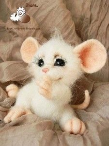 *NEEDLE FELTED ART ~ Ella Sufeeva (Elche). Ella lives in a distant and cold Khabarovsk and may therefore its furry «kids» are covered with especially long wool, curly and tender.