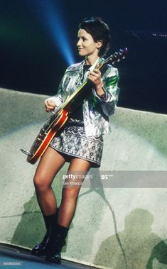 Dolores Cranberries, Roxette Band, Dolores O'riordan, Rock Music, Beautiful People, Punk, Female, Hair Styles, Rock Girls