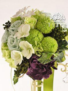 プリザーブドフラワーのウェディングブーケ 花工房Tiare(Flowerstudio Tiare)  ピンポンマムとプルメリアのグリーン・ラウンドブーケ