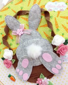feutrine, Best Picture For Diy Felt Ornaments For Your Taste You are looking for something Rabbit Crafts, Bunny Crafts, Easter Crafts, Felt Diy, Felt Crafts, Diy And Crafts, Crafts For Kids, Felt Bunny, Easter Bunny