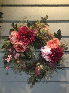 Wreath Crafts, Diy Wreath, Small Flower Pots, Wedding Wreaths, Welcome Wreath, Summer Wreath, Spring Wreaths, Arte Floral, How To Make Wreaths
