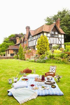 Hydrangea Hill Cottage: Picnic Pleasures