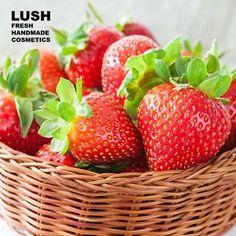 Frische Erdbeeren findest du im American Cream Hair Conditioner und im Strawberry Feels Forever Massagebar.