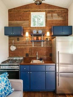 Best of the best Tiny House Kitchen Design Ideas That Feel Like Plenty of Space. Best Tiny House, Tiny House Plans, Cheap Tiny House, Tiny Spaces, Small Apartments, Tiny House Living, Living Room, Tiny Guest House, Tiny House Design