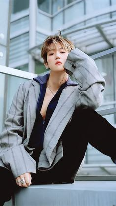 Baekhyun for Vogue Korean December 2018 Chanbaek, Exo Ot12, Kaisoo, Baekhyun Chanyeol, K Pop, Baekhyun Wallpaper, Kim Minseok, Xiuchen, Kpop Exo