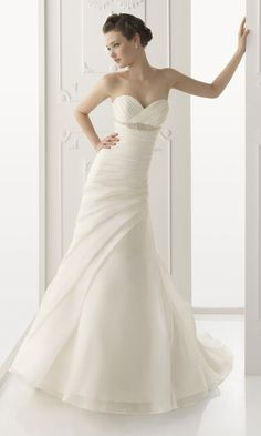 Description:  Strapless+Dress+with+Sweetheart+Neckline+and+Fit-to-Flare+Silhouette    Fabric:  Organza