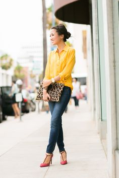 Weekend Leopard :: Zip ankle jeans . I love the combination of yellow, leopard, and denim with a pop of pink surprise.