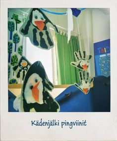 Roikkuvat kädenjälki pingviinit.