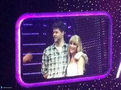 Jay e @AlionaVilani na turnê do Strictly em Glasgow, na Escócia. (via @sheenadevlin) (6 fev.)