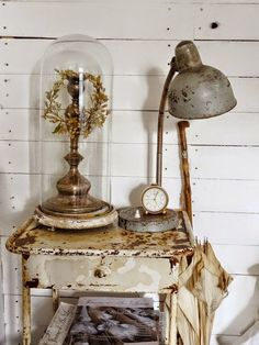 Industrial mixed with shabby chic. Shabby Vintage, Shabby Chic Homes, French Country Decorating, Diy Home Decor, Vignettes, Glass Domes, Bell Jars, Apothecary Jars, Nightstands